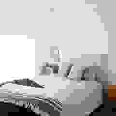 Casa Millennial Pink Quartos escandinavos por Rima Design Escandinavo