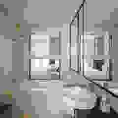 NAUTICA LAKESUITES CONDOMINIUM , KL Scandinavian style bathrooms by BND STUDIO Scandinavian