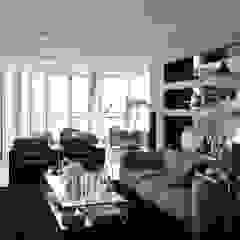 Apartamento na Torre de São Rafael , Parque das Nações Salas multimédia modernas por Nuno Ladeiro, Arquitetura e Design Moderno
