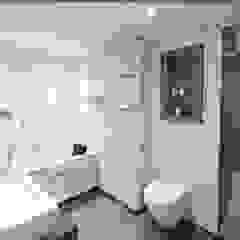 Minimalistische badkamers van homify Minimalistisch