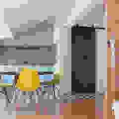 Apartamento . Lisboa . Reabilitação . Remodelação . Graça por aponto Moderno Madeira Acabamento em madeira