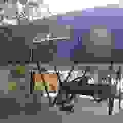 by m2 estudio arquitectos - Santiago Mediterranean آئرن / اسٹیل