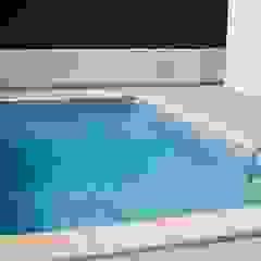 4 espaços para uma piscina em aço por Soleo Minimalista