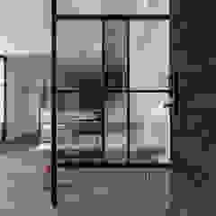 Industrial style corridor, hallway and stairs by 果仁室內裝修設計有限公司 Industrial