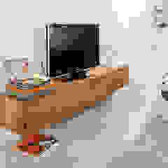 Stoere loft sfeer Eclectische woonkamers van Jolanda Knook interieurvormgeving Eclectisch Massief hout Bont