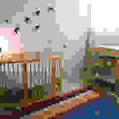 by Tangerinas e Pêssegos - Design de Interiores & Decoração no Porto Eclectic Wood Wood effect