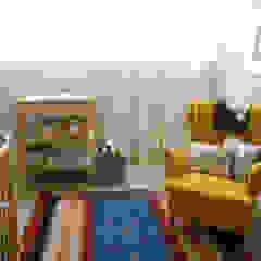 Apartamento Foz do Douro por Tangerinas e Pêssegos - Design de Interiores & Decoração no Porto Eclético Madeira Acabamento em madeira