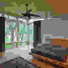 Old Farm Residence RT Studio, LLC Modern Bedroom