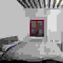 Minimalist bedroom by Studio di Architettura IATTONI Minimalist