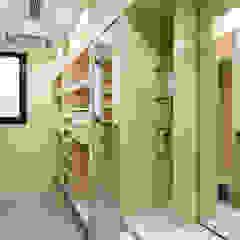 Closets por 松泰室內裝修設計工程有限公司 Campestre Madeira Efeito de madeira