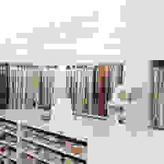 A nossa Loja Lojas e Espaços comerciais minimalistas por Nomalism Minimalista