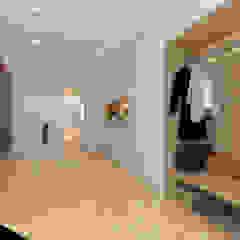 Casa na Freiria   Design Interior Closets minimalistas por DR Arquitectos Minimalista