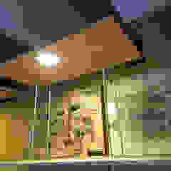 por estudioZBR & asociados Rústico Derivados de madeira Transparente