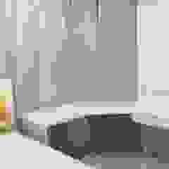REVAMPED GIRL'S ROOM Modern study/office by FINE ART LIVING PTE LTD Modern Wood-Plastic Composite