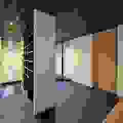الآسيوي، الممر، رواق، &، درج من 空間工房 用舎行蔵 一級建築士事務所 أسيوي