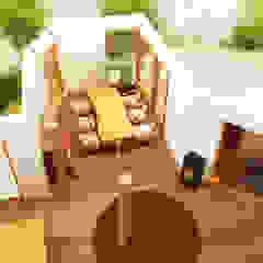 腰越のフルリノベーション トロピカルデザインの ダイニング の 鎌倉住宅設計事務所 邸宅巣箱 トロピカル 木 木目調