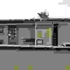 casa bioclimatica Paredes y pisos minimalistas de steel Minimalista