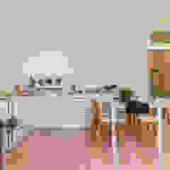 Home Staging con noleggio su immobile ristrutturato ad hoc per investimento di MICHELA AMADIO - Valorizza e Vendi Moderno