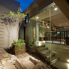 by Paola Calzada Arquitectos Eclectic پتھر