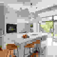 Verbouwing van herenhuis Oud ontmoet Modern van StrandNL architectuur en interieur Modern