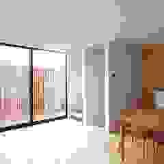 一級建築士事務所A-SA工房 Modern Dining Room Wood Wood effect