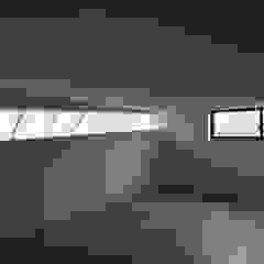 por 一級建築士事務所A-SA工房 Moderno Madeira Acabamento em madeira