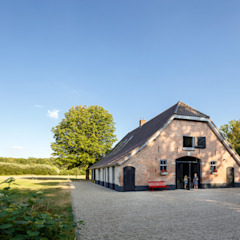Country style houses by RHAW architecture Country