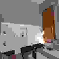 Fachadas Moderna Pele de Vidro Salas multimídia minimalistas por Andréa Generoso - Arquitetura e Construção Minimalista Madeira Efeito de madeira