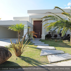 Fachadas Estilo Clássico Corredores, halls e escadas clássicos por Andréa Generoso - Arquitetura e Construção Clássico Cerâmica