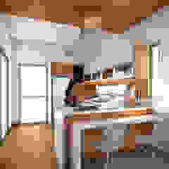 by AP Arquitectura Tropical انجینئر لکڑی Transparent