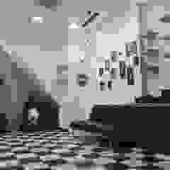 Criação de Projecto para espaço comercial (barbearia, Leiria Shopping) Lojas e Espaços comerciais minimalistas por Factos | Art Gallery Minimalista