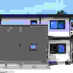 넓은 포치 공간이 인상적인 모던하우스 (경기도 화성시) by 더존하우징 모던
