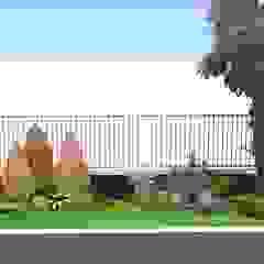 Desain Taman Untuk Halaman Luar Pagar Taman Modern Oleh Tukang Taman Surabaya - Tianggadha-art Modern Bambu Green