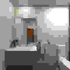 Asian style bathroom by arcq.o | rui costa & simão ferreira arquitectos, Lda. Asian