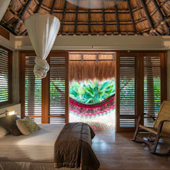 NOAH Proyectos SAS Tropical style bedroom Bamboo Wood effect