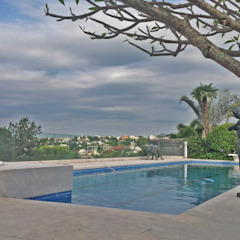 Reforma de piscina e spa por Raul Hilgert Arquitetura de Exteriores Minimalista Granito