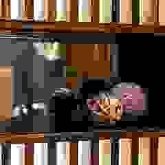 Luksusowy apartament w Warszawie - Saska Kępa Kolonialna łazienka od Viva Design - projektowanie wnętrz Kolonialny Lite drewno Wielokolorowy
