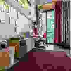 Luksusowy apartament w Warszawie - Saska Kępa od Viva Design - projektowanie wnętrz Eklektyczny Drewno O efekcie drewna