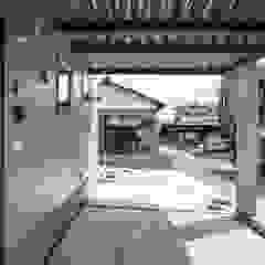 โดย 前田篤伸建築都市設計事務所 โมเดิร์น