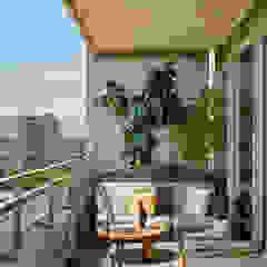 Scandinavian style balcony, veranda & terrace by YLAB Arquitectos Scandinavian