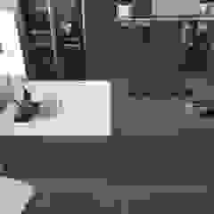 Modelos de cozinhas com ilha , península ou mesa refeições por Area design interiores Moderno
