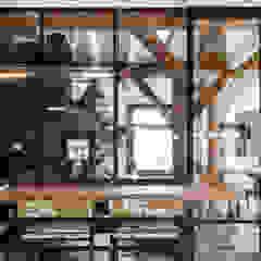 Verbouwing landelijke villa met moderne accenten Landelijke eetkamers van Bob Romijnders Architectuur & Interieur Landelijk