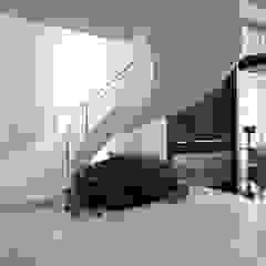 Portfólio Escadas Millenium® por ESCADAS MILLENIUM® Moderno Concreto