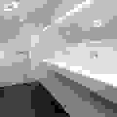 PROJECT LD, SNEEK Minimalistische badkamers van Studio Doccia Minimalistisch Kunststof