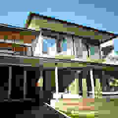 bởi AIGI Architect + Associates Nhiệt đới Cục đá