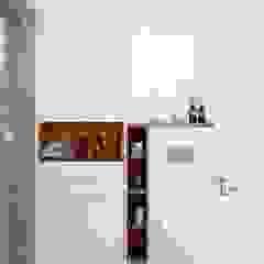 Scandinavian style bathroom by MIKOŁAJSKAstudio Scandinavian