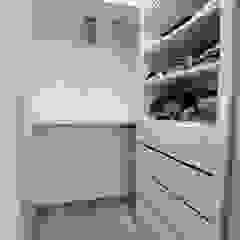 Scandinavian style dressing rooms by 青築制作 Scandinavian