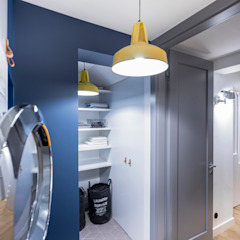 Apartament dwa poziomy Nowoczesna piwnica win od Complete Home Nowoczesny
