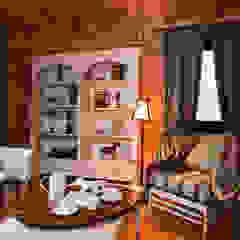 من Design Studio Yuriy Zimenko بلدي خشب Wood effect