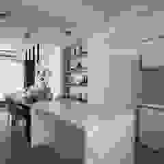 Minimalist dining room by 湘頡設計 Minimalist